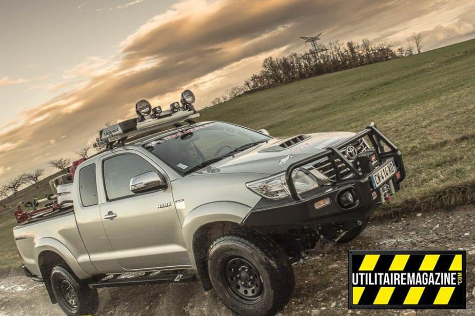Le pick up Hilux de chez Toyota est aménagé en utilitaire pour les professionnels qui ont besoin d'accéder à des zones peu accessibles avec tout leur matériel