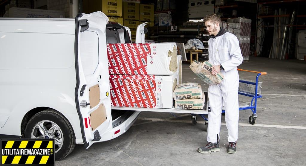 Le tiroir est 100% coulissant à l'extérieur de votre véhicule utilitaire, idéal pour faciliter l'accès à vos outils ou vos matériaux