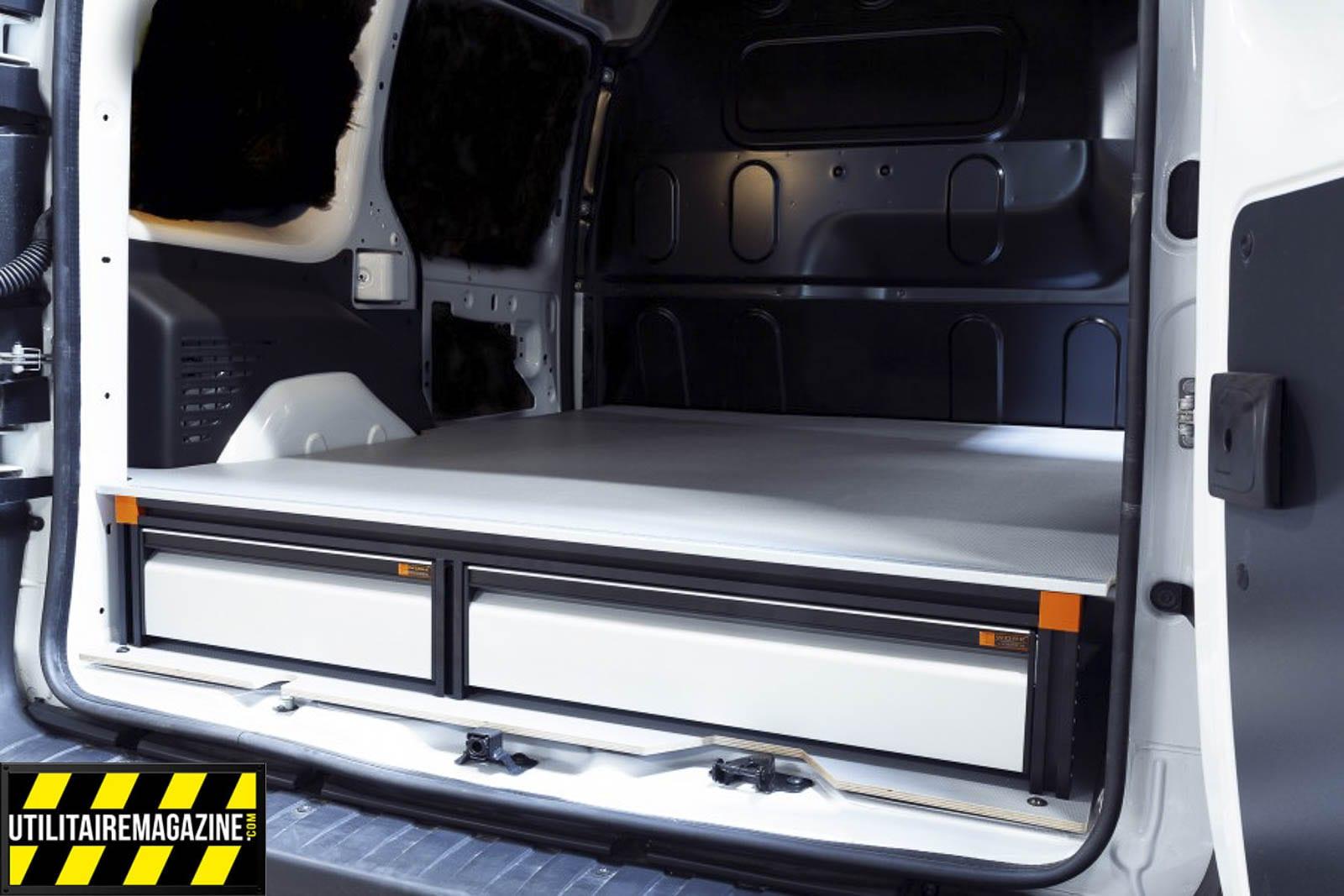 amenagement utilitaire work system, le double plancher qui intègre des tiroirs