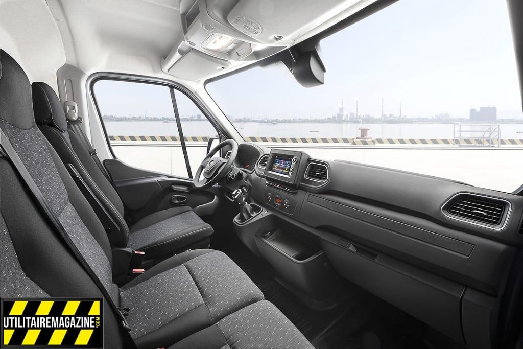 Le nouveau Movano offre 22 espaces de rangement qui représentent un total de 104 litres